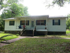 Featured Property in Livingston, TX 77351