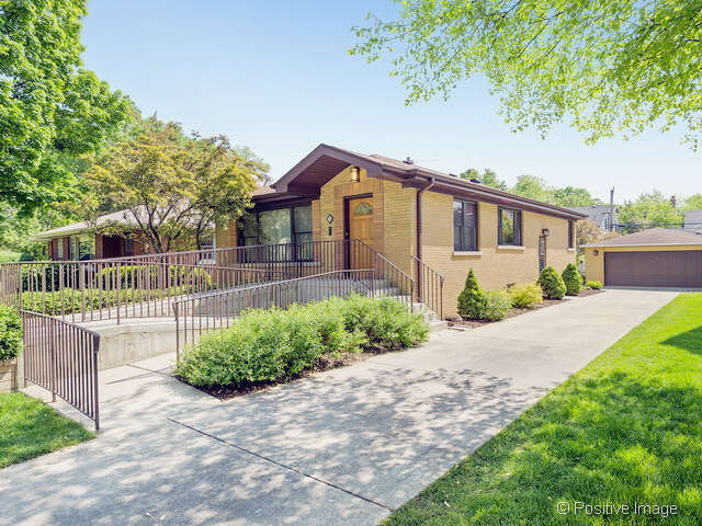 Featured Property in HINSDALE, IL, 60521