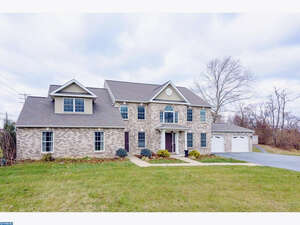 Featured Property in West Lawn, PA 19609