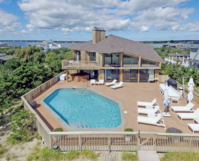 Single Family for Sale at 321 Dune Rd Westhampton Beach, New York 11978 United States