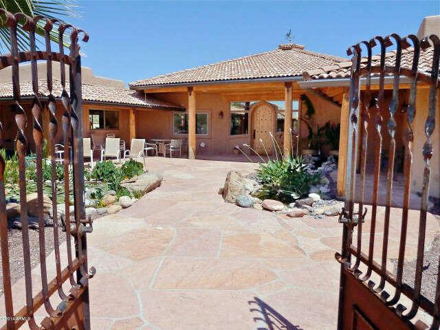 Single Family for Sale at 36600 S Rincon Rd Wickenburg, Arizona 85390 United States