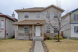 Featured Property in Okotoks, AB T1S 1V9