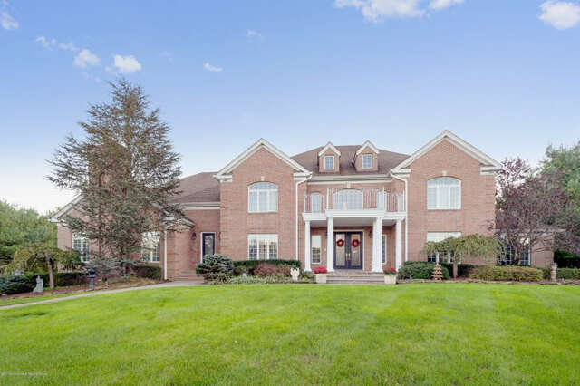 Single Family for Sale at 101 Stone Hill Road Colts Neck, New Jersey 07722 United States