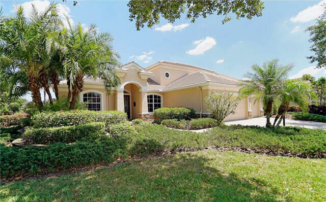 Single Family for Sale at 13329 Swallowtail Drive Lakewood Ranch, Florida 34202 United States