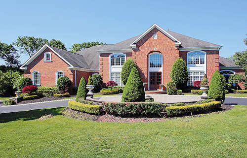 Single Family for Sale at 16 Evergreen Lane Colts Neck, New Jersey 07722 United States