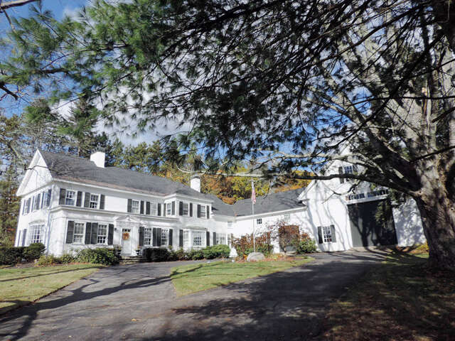 Single Family for Sale at 435 Exeter Road Hampton, New Hampshire 03842 United States