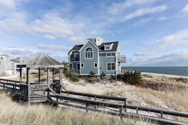 Single Family for Sale at 1 Powers Lane West Yarmouth, Massachusetts 02673 United States