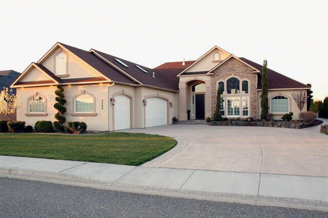 Single Family for Sale at 3068 Bluffs Drive Richland, Washington 99354 United States