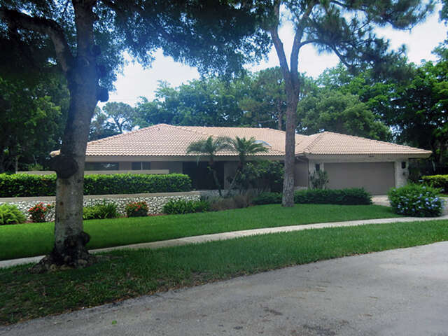 Single Family for Sale at 3880 St James Place Boca Raton, Florida 33434 United States