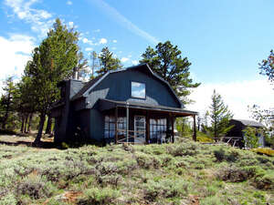 Featured Property in Tie Siding, WY 82084
