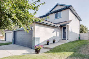 Featured Property in Calgary, AB T3K 4N6