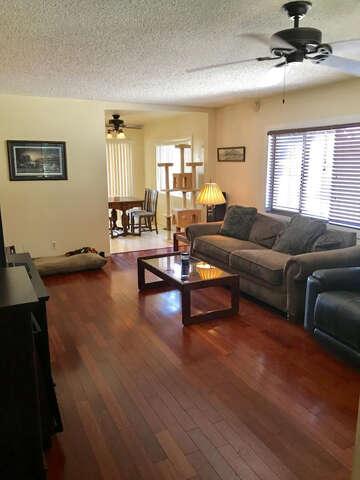 Single Family for Sale at 10617 Commerce Ave Tujunga, California 91042 United States