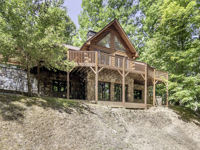 Single Family for Sale at 80 Lick Log Road Sylva, North Carolina 28779 United States