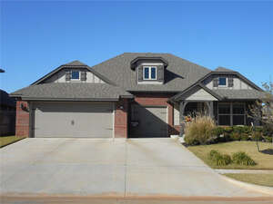 Featured Property in Moore, OK 73165