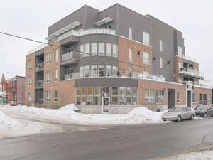 Featured Property in Ottawa, ON K1R 7K6