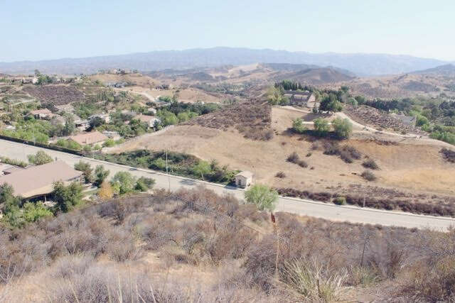 Land for Sale at 0 West Hillcrest Pkwy Castaic, California 91384 United States