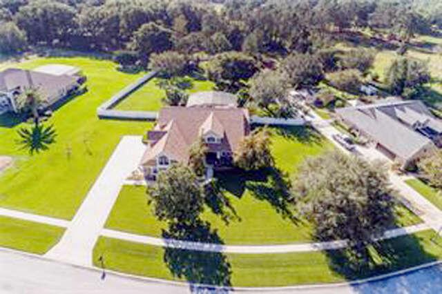 Single Family for Sale at 7612 Lake Angelina Drive Mount Dora, Florida 32757 United States