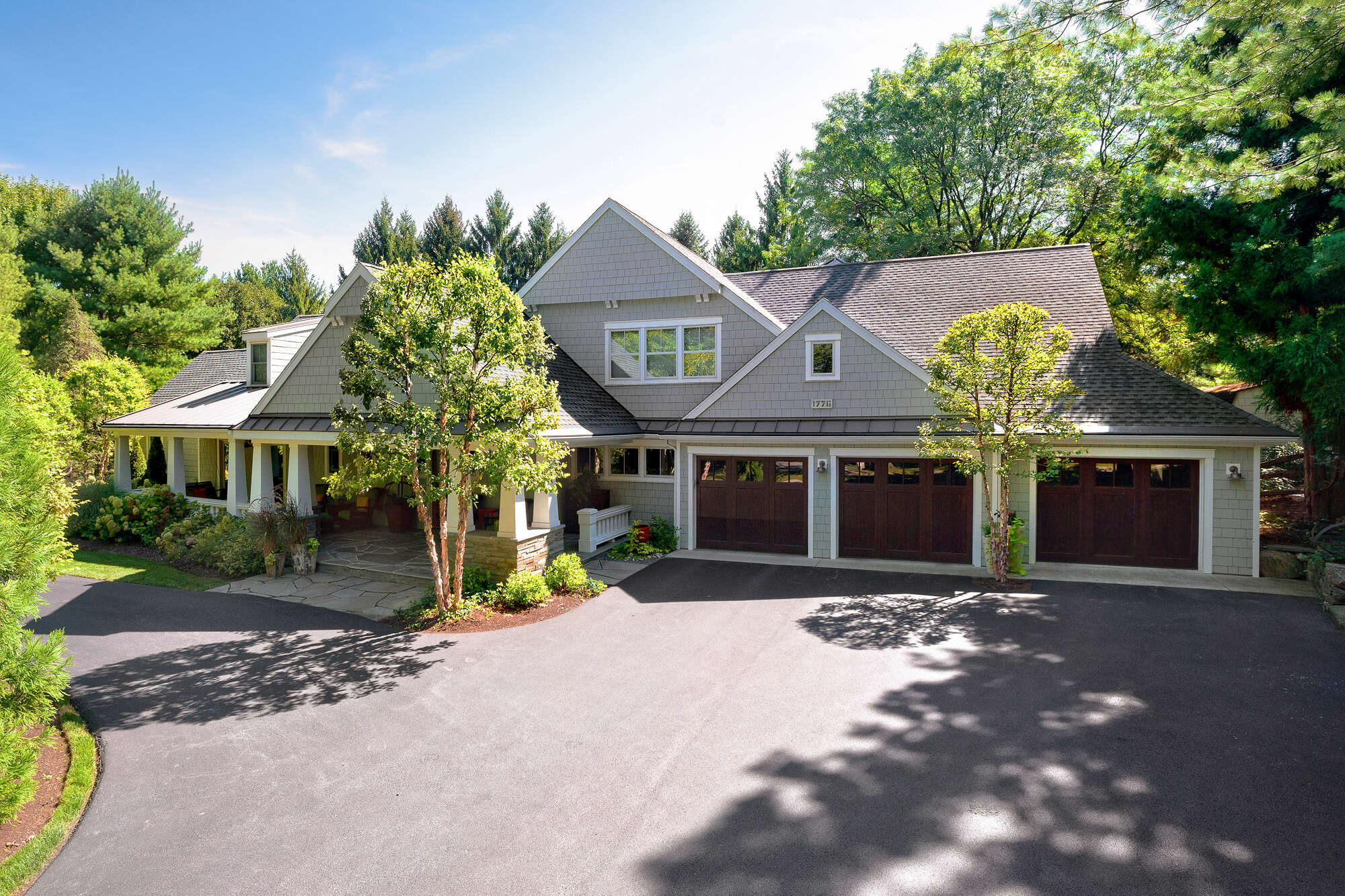 Single Family for Sale at 1776 Reading Blvd Wyomissing, Pennsylvania 19610 United States