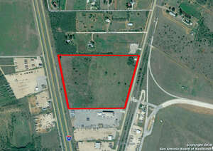 Featured Property in Dilley, TX 78017