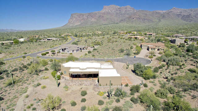 Single Family for Sale at 1158 S Deer Run Court Apache Junction, Arizona 85119 United States