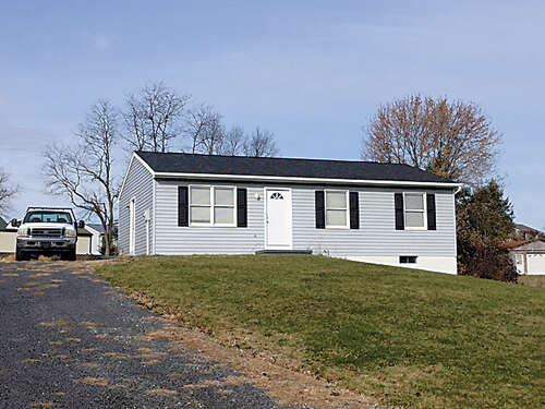 Real Estate for Sale, ListingId:42505092, location: 1565 Streamside Drive Chambersburg 17202