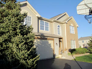 Featured Property in Carpentersville, IL 60110