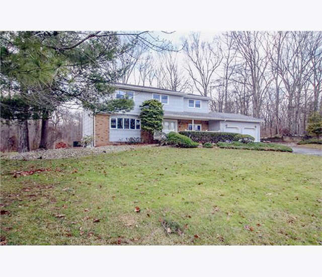 Single Family for Sale at 20 Overhill Drive North Brunswick, New Jersey 08902 United States