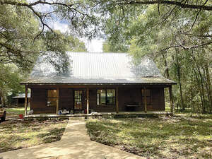 Featured Property in Williston, FL 32696