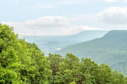 Single Family for Sale at 114 Riverpoint Rd Signal Mountain, Tennessee 37377 United States