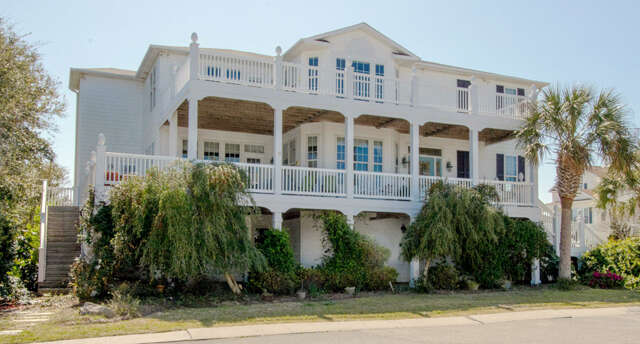 Single Family for Sale at 438 Sandman Drive Kure Beach, North Carolina 28449 United States