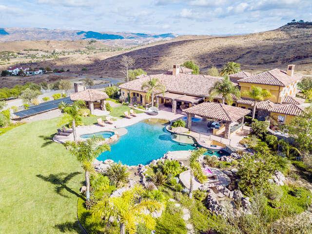 Single Family for Sale at 1590 Esperance Drive Moorpark, California 93021 United States