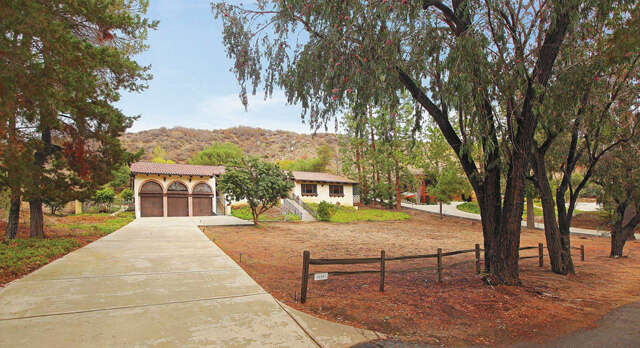 Single Family for Sale at 26051 Mulholland Highway Calabasas, California 91302 United States