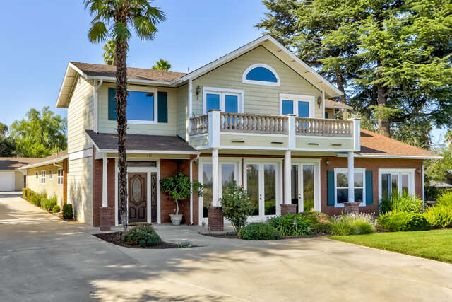 Single Family for Sale at 437 W Sunset Drive Redlands, California 92373 United States