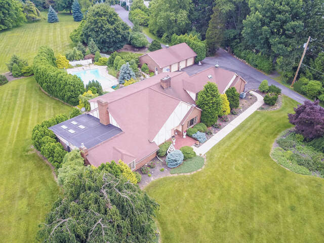 Single Family for Sale at 463 Apollo Drive Bethlehem, Pennsylvania 18017 United States