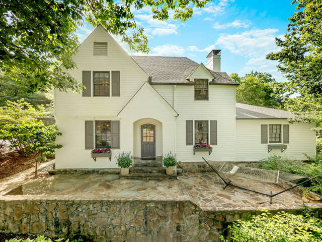 Single Family for Sale at 325 Park Rd Lookout Mountain, Tennessee 37350 United States