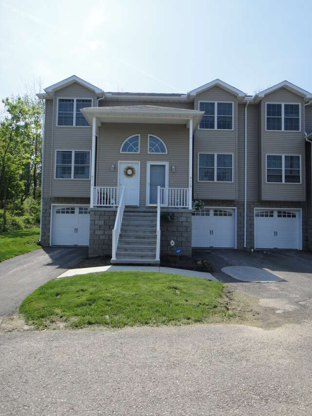 Apartment for Rent  ListingId  17010282  Erie  PA 16509. Apartment Rental Complex for Rent at 4109 Wood Hills Dr   Erie  PA