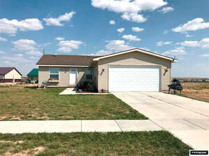 Featured Property in Wamsutter, WY 82336