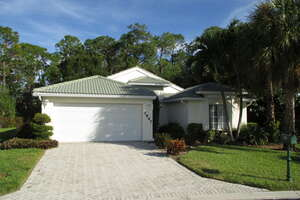 Single Family Home for Sale, ListingId:42316142, location: 7949 Wexford Dr Naples 34104