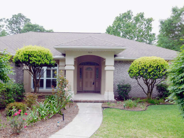 Single Family for Sale at 704 Mullet Creek Run Niceville, Florida 32578 United States