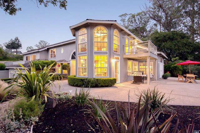 Single Family for Sale at 2020 Aberdeen Avenue Santa Rosa, California 95404 United States