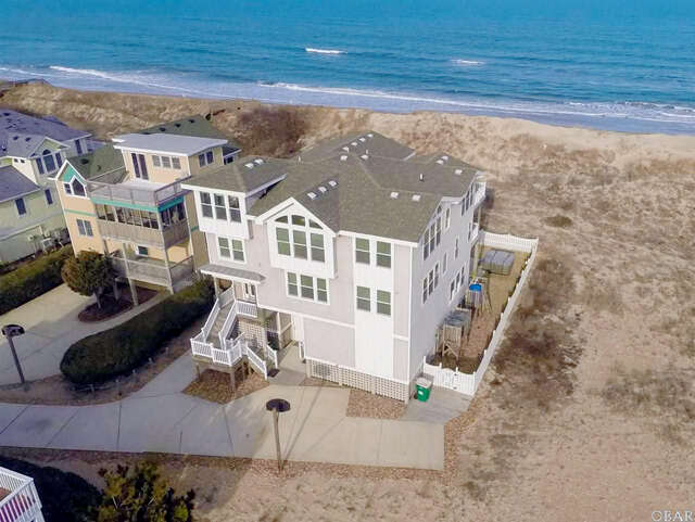 Additional photo for property listing at 601 Ocean Front Arch  Corolla, North Carolina 27927 United States