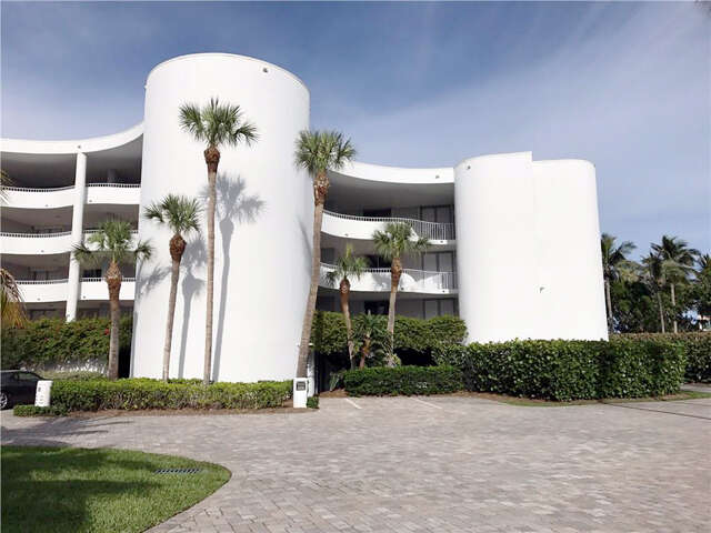 Single Family for Sale at 2001 SE Sailfish Point Blvd Stuart, Florida 34996 United States