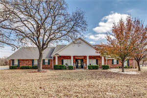 Featured Property in Honey Grove, TX 75446