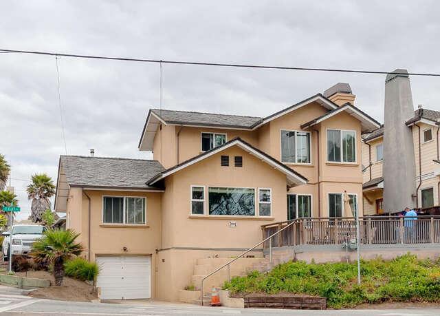 Single Family for Sale at 2701 E. Cliff Dr Santa Cruz, California 95062 United States
