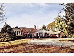 Featured Property in Campobello, SC 29322