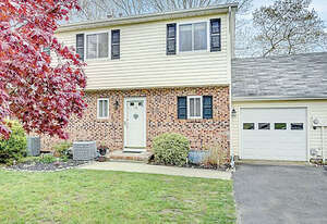 Featured Property in Howell, NJ 07731