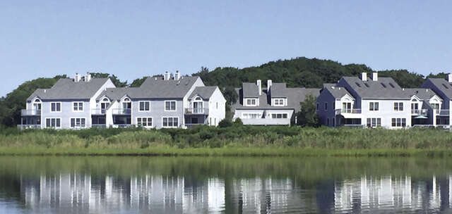 Single Family for Sale at 755 Meadow Ct Southold, New York 11971 United States