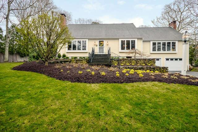 Single Family for Sale at 378 Elliott Road Centerville, Massachusetts 02632 United States