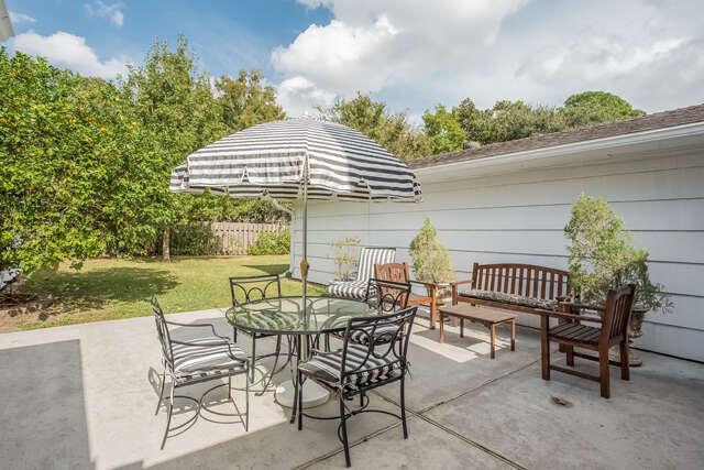 Single Family for Sale at 7018 Northampton Way Houston, Texas 77055 United States