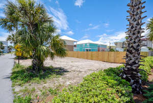 Featured Property in Panama City Beach, FL 32408